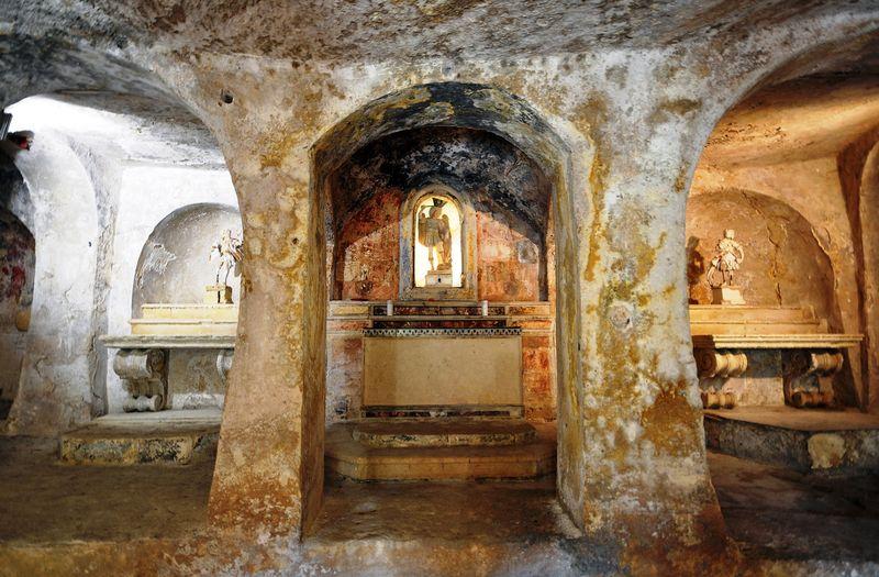 Chiesa-Rupestre-San-Michele-delle-Grotte