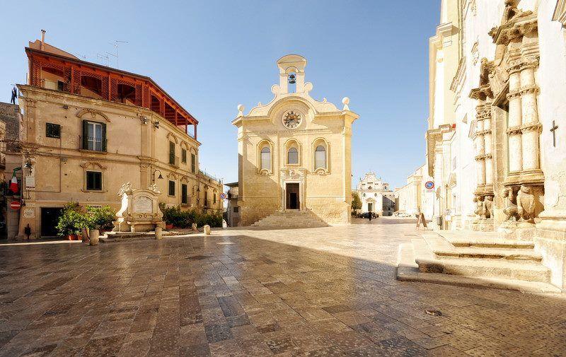 Piazza-Notar-Domenico---Centro-Storico